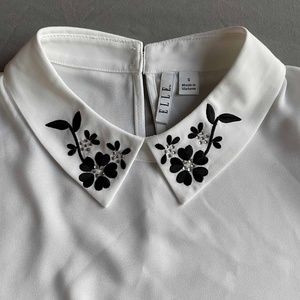 NWT Embroidered Collar Blouse